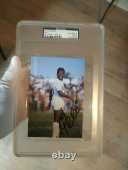 Pele Autographed Signed 4x6 Photo Slabbed PSA/DNA Santos New York Cosmos Brazil